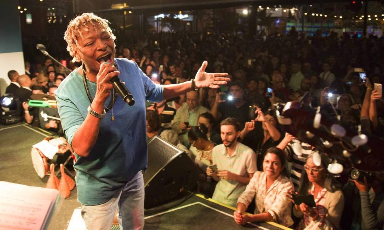 A cantora Mart'nália encerrou a noite com um passeio pela MPB Foto: Monica Imbuzeiro / Agência O Globo