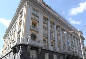 Endereço desejado. O prédio do antigo Tribunalde Alçada e do Júri, no Centro Foto: Guilherme Pinto / Agência O Globo