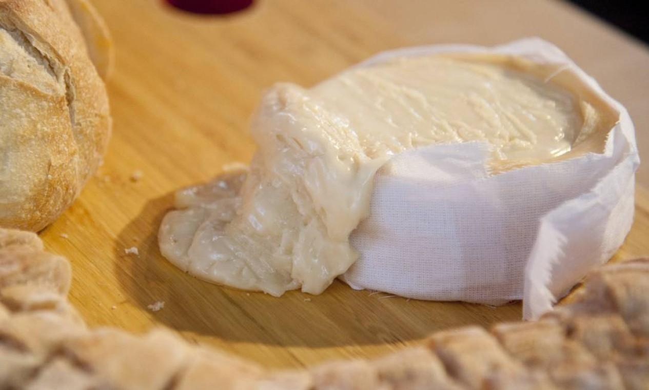 A versão fluminense do queijo Serra da Estrela Foto: Adriana Lorete / Agência O Globo
