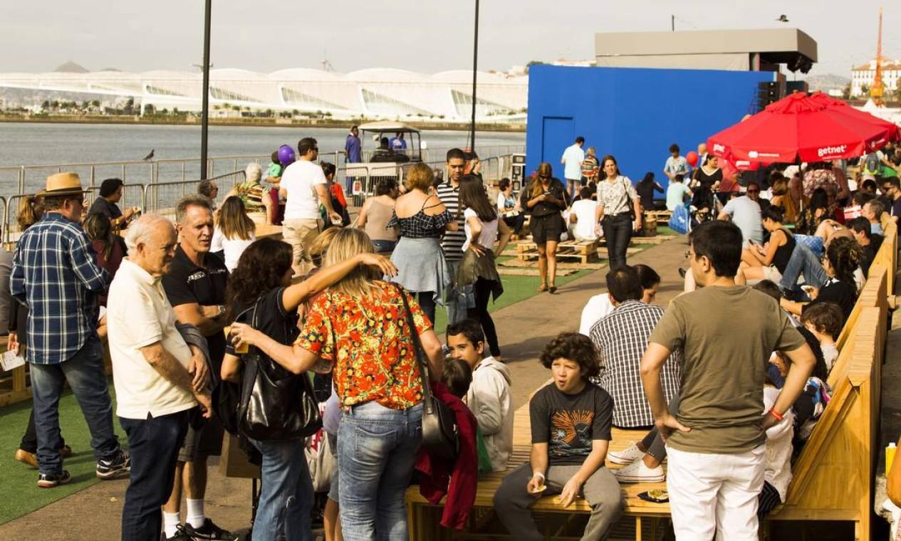 O Rio Gastronomia abriu mais cedo neste sábado para o público Foto: Monica Imbuzeiro / Agência O Globo