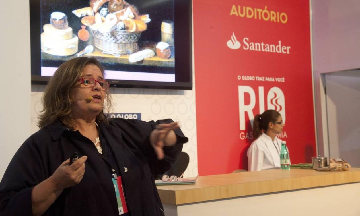 Ana Roldão deu uma aula sobre açúcar, o 'doce ouro branco' brasileiro Foto: Adriana Lorete / Agência O Globo