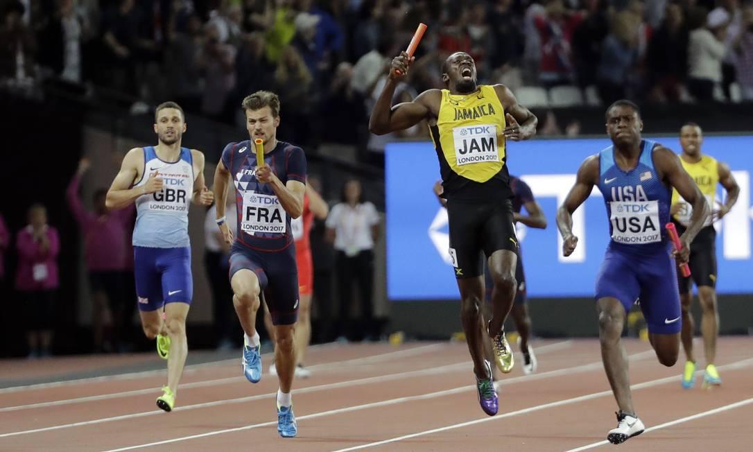 Usain Bolt sentiu lesão na reta final do revezamento David J. Phillip / AP