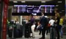 Aeroporto Santos Doumont (RJ): É preciso ficar atento às condições dos planos de milhagem Foto: Pablo Jacob / Agência O Globo