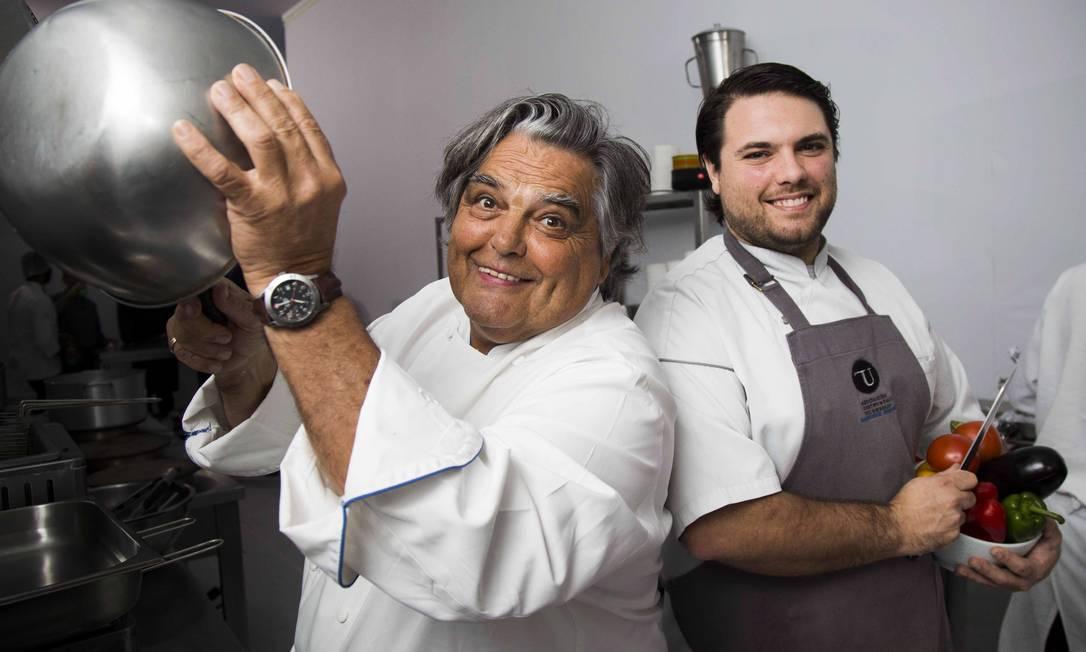 O chef francês Jean-Paul Bondoux e o filho Aurelien, que também é chef de cozinha Monica Imbuzeiro / Agência O Globo