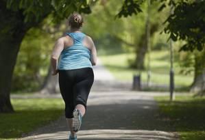 Mesmo que resultados de exames estejam bons, uma pessoa acima do peso deve ter o emagrecimento como prioridade para evitar doenças cardíacas Foto: Science Photo Library