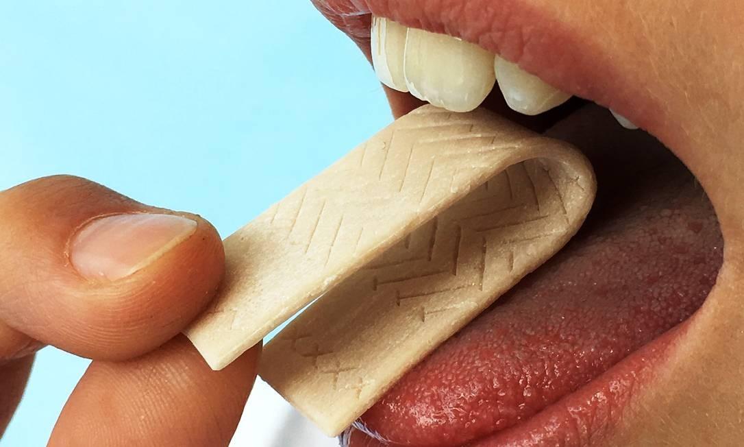 Cientistas pretendem desenvolver formas de usar gomas de mascar para diagnosticar outras doenças Foto: Divulgação/Universidade Julius-Maximilians