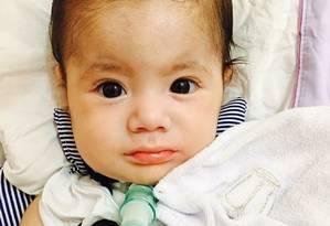 O bebê Joaquim, que hoje já completou um ano, é um dos mais conhecido com Atrofia Muscular Espinhal (AME) Tipo 1 Foto: Arquivo pessoal / .