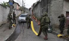 Ao todo, são 2,6 mil agentes das Forças de Segurança atuando na região Foto: Pedro Teixeira / Agência O Globo