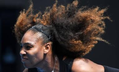 Atual campeã, Serena Williams quer disputar o Australian Open em 2018 Foto: William West/AFP