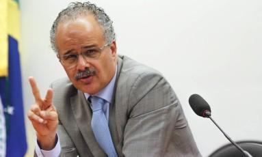 O deputado Vicente Cândido (PT-SP), relator da reforma política Foto: André Coelho / Agência O Globo