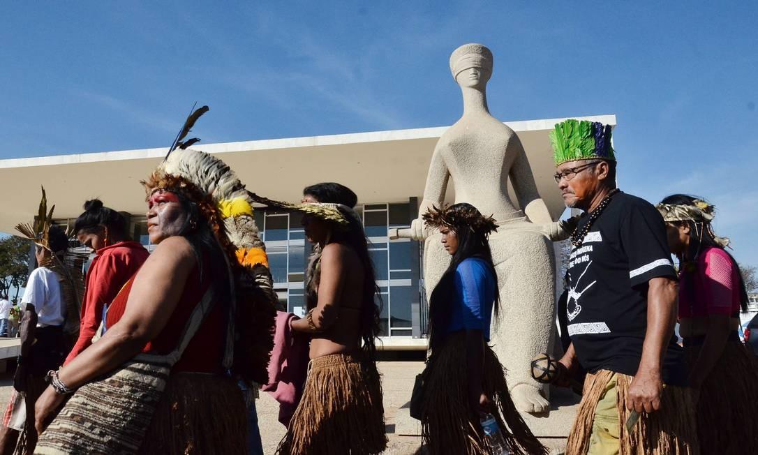 Segundo lideranças, 150 índios poderiam ter acesso ao plenário do STF Foto: Renato Costa / O Globo