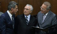 Romero Jucá, Michel Temer e Renan Calheiros: lideranças do PMDB Foto: André Coelho / Agência O Globo/23-5-16