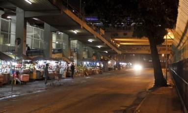 Após tumulto, clima ficou mais calmo em Madureira durante a madrugada Foto: Pedro Teixeira / Agência O Globo