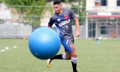 Paulinho fez dois gols logo na primeira partida como titular Foto: Paulo Fernandes/Vasco/Divulgação