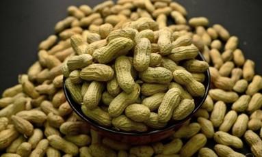 A alergia a amendoim é uma das alimentares mais comuns entre crianças e pode trazer sérias reações Foto: Patrick Sison/ AP
