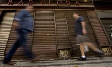 Comércio ainda sente os efeitos da crise. Foto: Antonio Scorza/ Agência O Globo