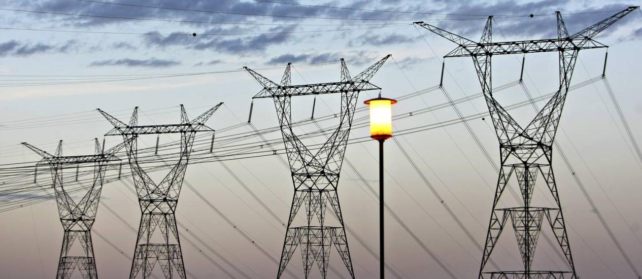 Luz. Linhas de transmissão de Itaipu, da Eletrobras Foto: Adriano Machado / Bloomberg News