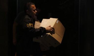 Lava-Jato: Operação Sem Fronteiras e Operação Abate - Polícia Federal cumpre mandados em duas fases que acontecem simultaneamente no Rio de Janeiro e em Curitiba Foto: Thiago Freitas / Agência O Globo