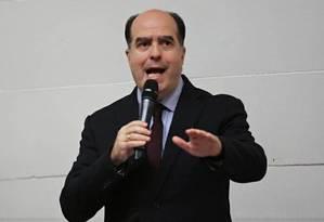 Julio Borges discursa: presidente da Assembleia Nacional desconhece ações da Constituinte venezuelana Foto: Reprodução de Twitter / @JulioBorges