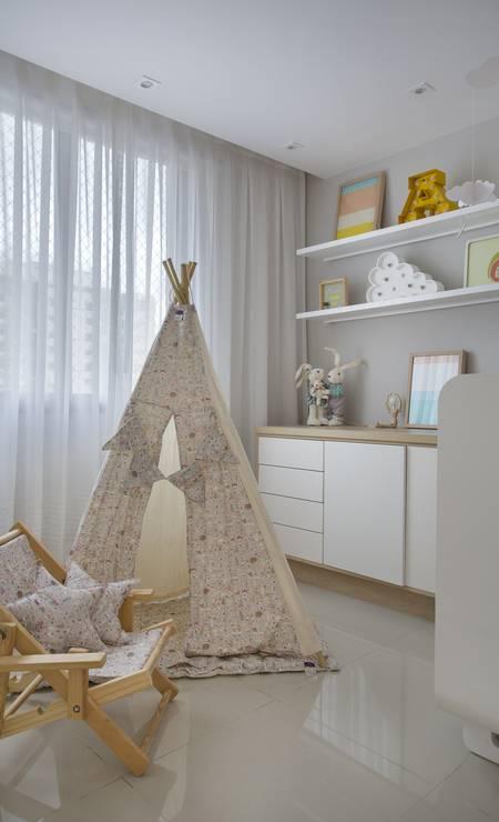 No quarto do bebê, uma cabana foi incorporada à decoração Foto: Divulgação