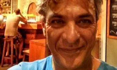 O catarinense Luiz Fernando Simões, de 55 anos, foi pisoteado durante corre-corre no atentado em Barcelona Foto: Reprodução: Facebook
