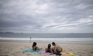 Domingo começa ensolarado, mas pode terminar com tempestade Foto: Márcia Foletto / Agência O Globo