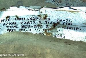 Placa identifica os destroços como sendo do USS Indianapolis Foto: PAUL ALLEN