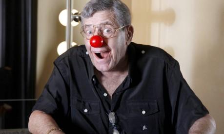 """Jerry Lewis em 2012, aos 86 anos, em um musical baseado em """"O professor aloprado"""" Foto: JOSH ANDERSON / Agência O Globo"""