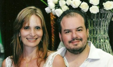 Cláudia Zerati e seu marido, Cristian Lanfredi Foto: Reprodução Facebook