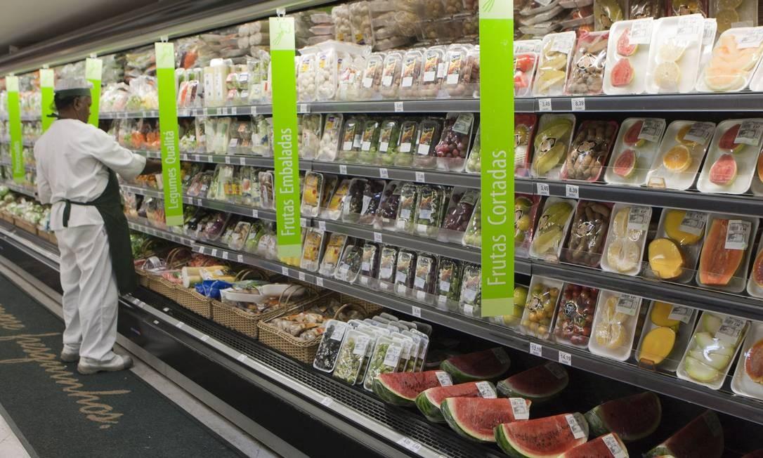 7160a5d75 Supermercado Pão de Açúcar lançou aplicativos para conhecer melhor os  clientes. Fotos Hudson Pontes