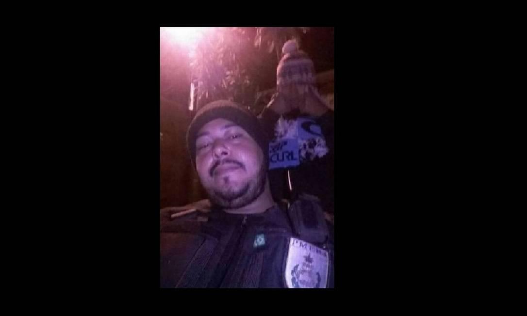 PRF prende suspeito de posar com uniforme da Polícia Militar