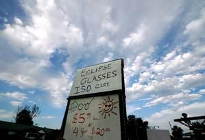 Nuvens podem atrapalhar os planos de quem pretende observar o eclipse solar desta segunda-feira Foto: RICK WILKING / REUTERS