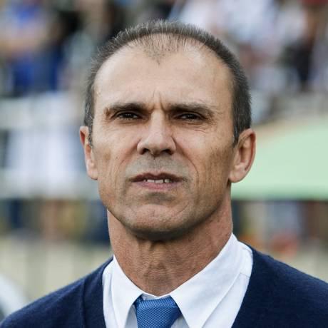 O técnico Milton Mendes perdeu o emprego após derrota para o Bahia Foto: Parceiro / Agência O Globo