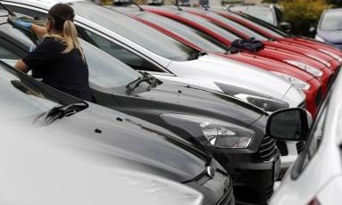 Revenda da Ford em Londres: incentivo para veículos menos poluentes. Foto: Frank Augstein/AP