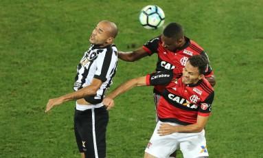 Botafogo e Flamengo decidem nesta quarta-feira uma vaga na final da Copa do Brasil Foto: Satiro Sodre/SSPress