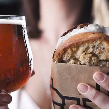 Para acompanhar a cerveja no Hop Lab, uma das opções é hambúrguer de cordeiro Foto: Divulgação