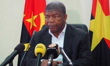 João Lourenço, candidato presidencial do partido governante MPLA, fala em uma entrevista coletiva em Luanda, na Angola Foto: STRINGER / REUTERS