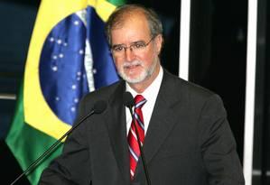 Eduardo Azeredo renunciou ao mandato de deputado federal em 2014, atrasando o julgamento Foto: Roberto Stuckert Filho (26/07/2005) / Agência O GLOBO