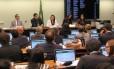Comissão da Câmara dos Deputados vota a PEC que veda a coligação partidária em eleições Foto: Jorge William / Agência O Globo