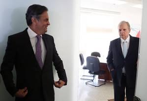 Os senadores Aécio Neves e Tasso Jereissati Foto: Givaldo Barbosa / Agência O Globo / 3-8-17