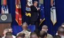 O presidente Donald Trump vai proibir novas contratações de transexuais pelo Pentágono Foto: NICHOLAS KAMM / AFP