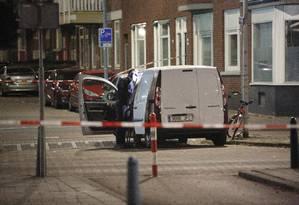 Van suspeita encontrada perto de show em Rotterdã Foto: ARIE KIEVIT / AFP