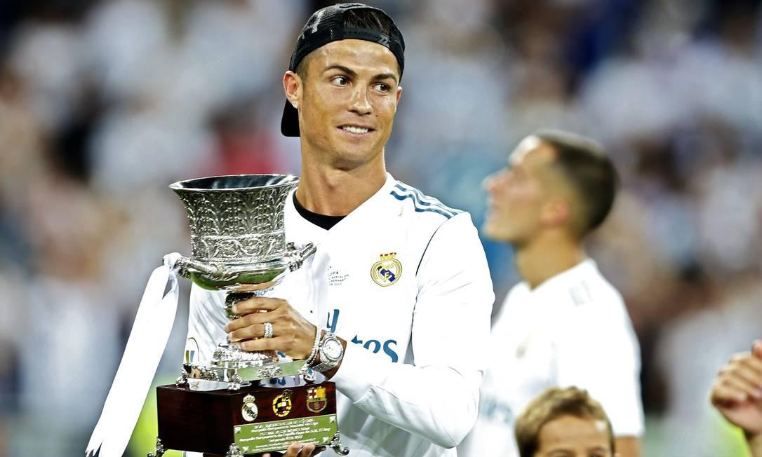 Cristiano Ronaldo é eleito o melhor jogador da temporada na Europa - Jornal  O Globo 6e4b3faae2c99