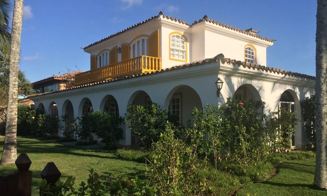 Um dos casarões do Hotel Villa Raphael, que fica na praia da Ferradura Foto: Luciane Costa / Luciane Costa