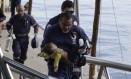 Bebê de seis meses é socorrido após naufrágio de lancha em Salvador, mas não sobrevive Foto: Xando Pereira/A Tarde / Agência O Globo