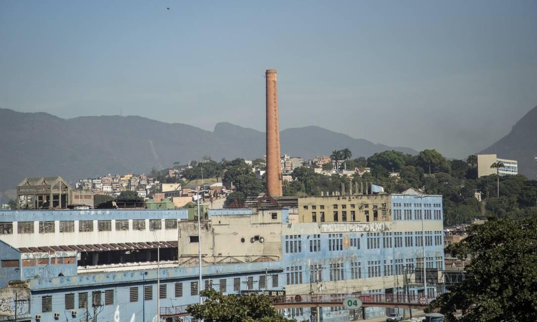 d70ebfe4fd Prédio da antiga fábrica do Sabão Português é demolido no Caju - Jornal O  Globo