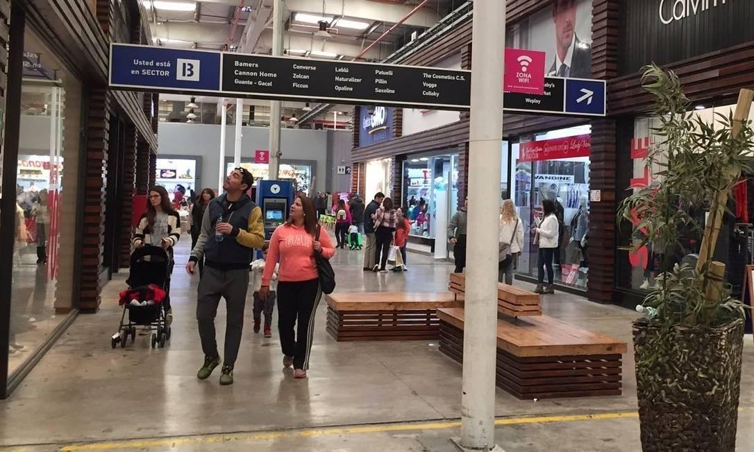 Outlets de Quilicura, perto de Santiago, têm preços comparáveis aos de  Miami - Jornal O Globo 41249cc13f