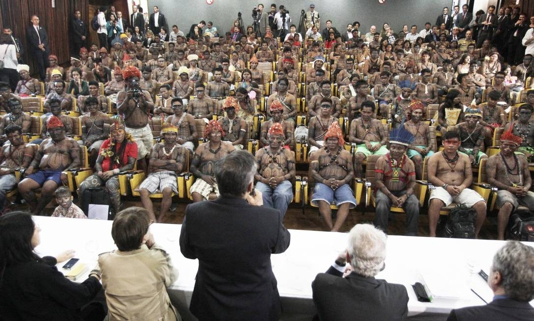 Povos indígenas. Em Brasília, o Conselho Indigenista Missionário (Cimi), ligado à CNBB, se reuniu com índios da tribo Mundurucú, da cidade de Belo Monte, no Pará Foto: Jorge William 04/06/2013 / Agência O GLOBO