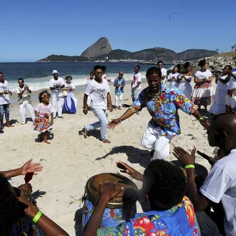 Jongueiros do Rio de Janeiro se apresentam na Marina da Glória para lançamento de CD Foto: Domingos Peixoto / Agência O Globo