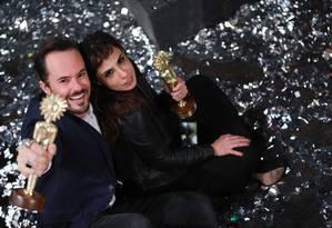 Paulo Vilhena e Maria Ribeiro, com prêmios de melhor ator e melhor atriz por